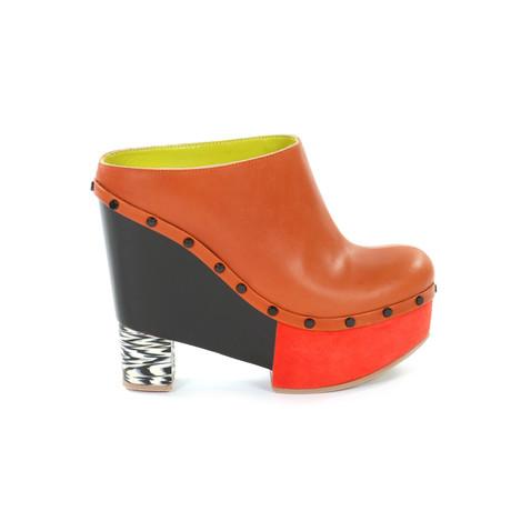 lien vers le site officiel de la marque de chaussures Pollini